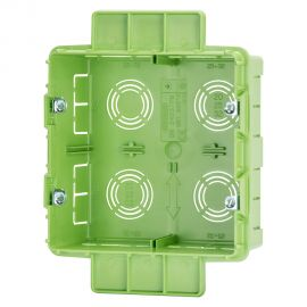 """קופסת חיבורים 4+4 לקיר גבס 131X129X53 מ""""מ GEWISS"""
